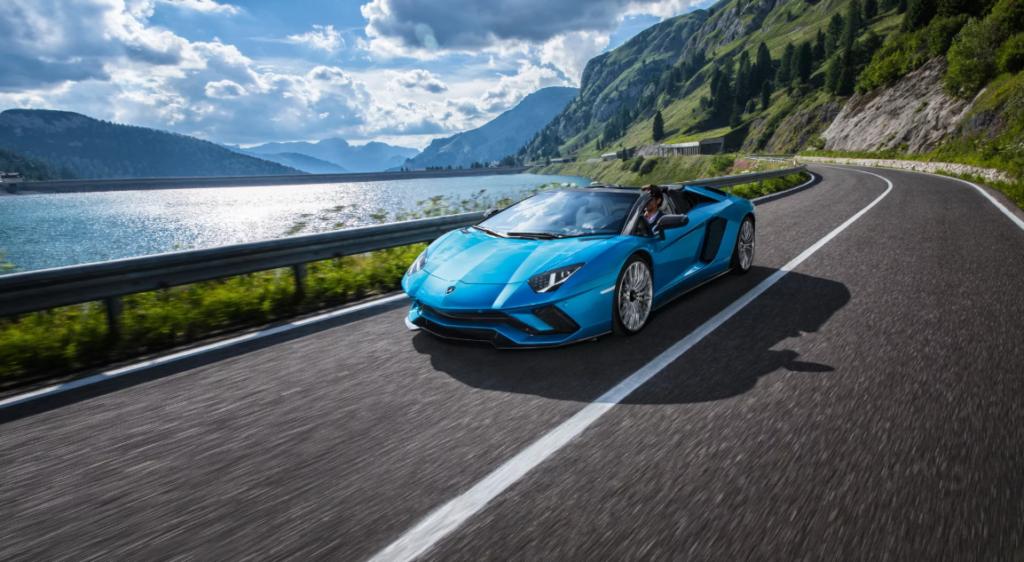 Lamborghini: lunga vita ai motori V12 e V10 aspirati
