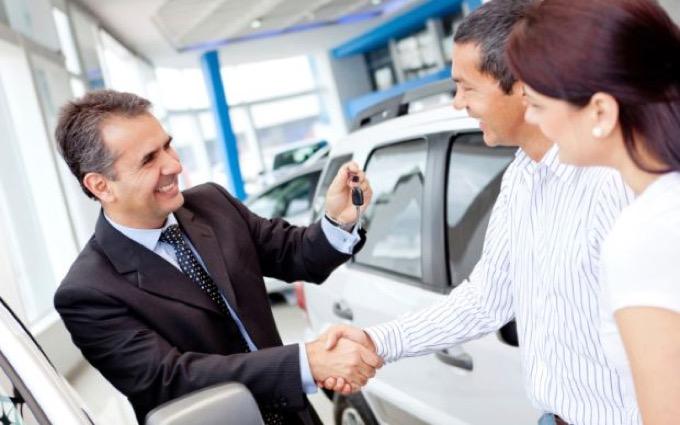 Fedeltà degli automobilisti al marchio: tanti la professano ma pochi la rispettano