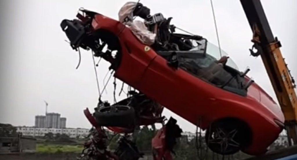 Ferrari California T: incidente mortale durante un raduno in India [VIDEO]