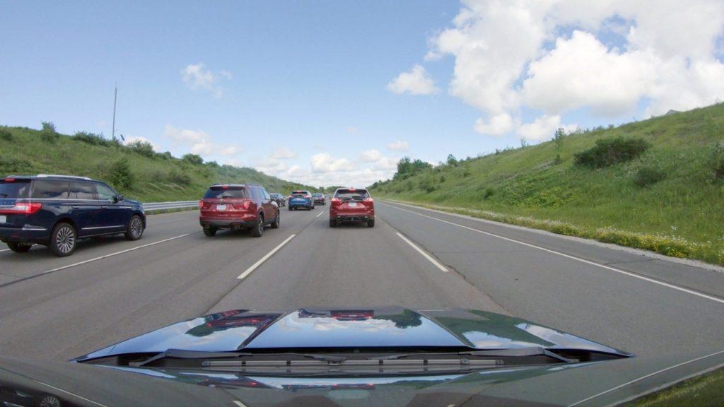 Ford: code ridotte utilizzando il cruise control adattivo in autostrada [VIDEO]