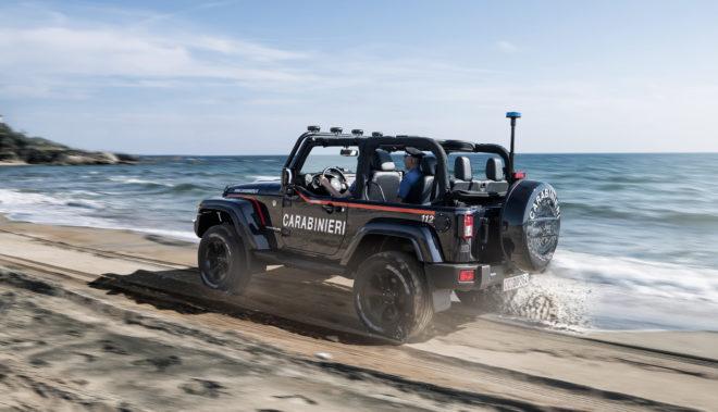 Consegna della Jeep Wrangler all'Arma dei Carabinieri con livrea istituzionale
