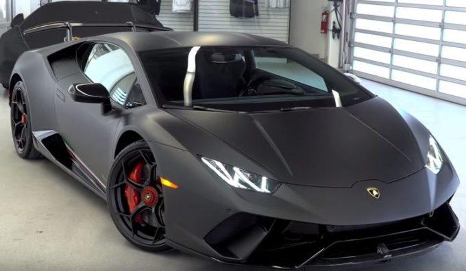 Lamborghini Huracan Performante, look tenebroso con livrea Nero Nemesis [VIDEO]