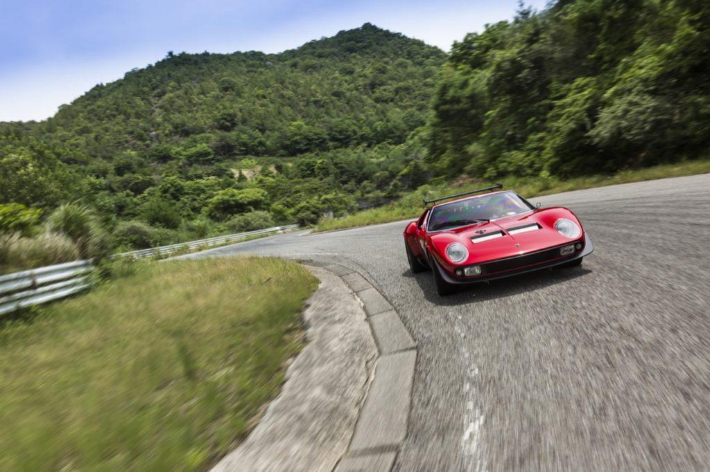 Lamborghini Miura SVR: dopo il restauro è condotta sul palcoscenico ideale [VIDEO]