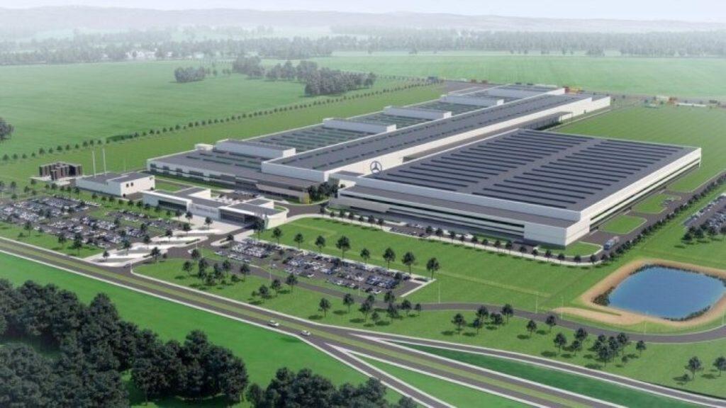 Mercedes, nuovo impianto in Polonia per la produzione di motori a 4 cilindri