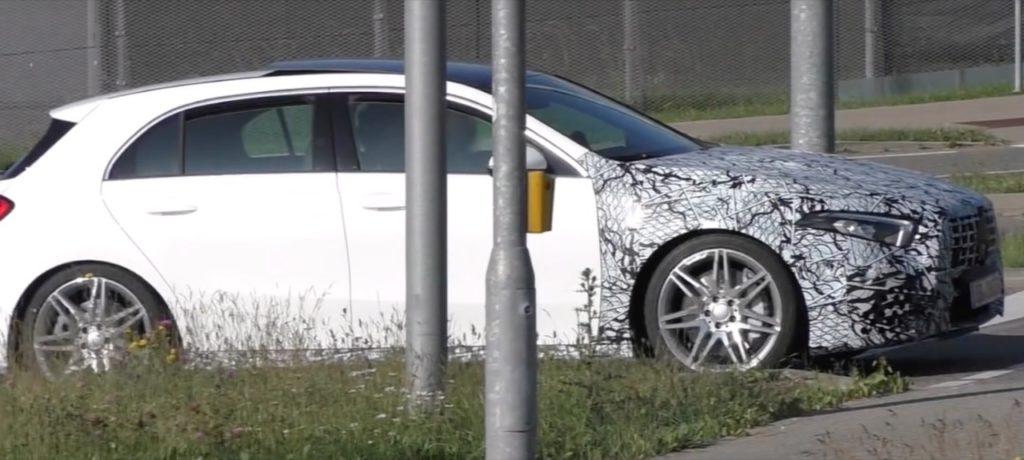 Nuova Mercedes A45 AMG: potrebbe adottare la griglia Panamericana [VIDEO]