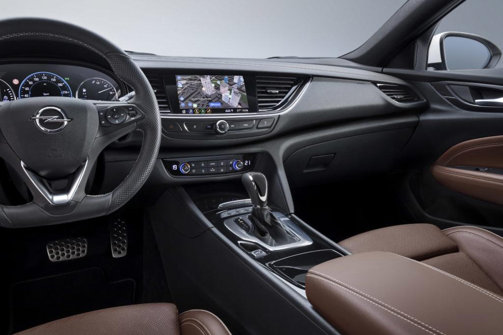Opel Insignia: al debutto nuovi sistemi di infotainment