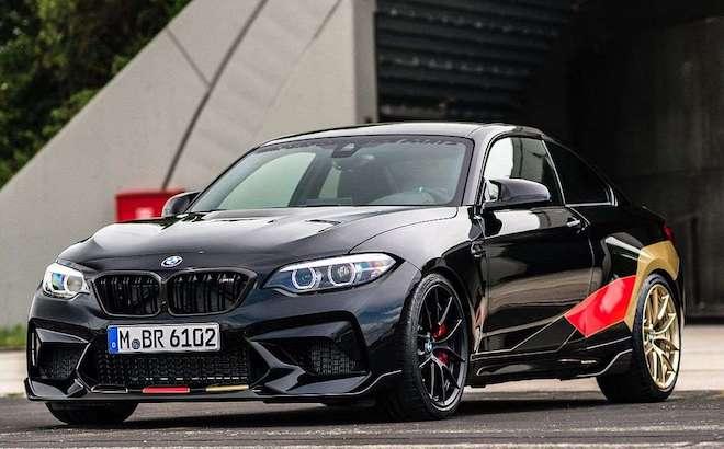 BMW M2 Competition: una one-off speciale per i Mondiali 2018 [VIDEO]