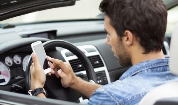 Vittime della strada: in aumento nei mesi esistivi con più giovani al volante
