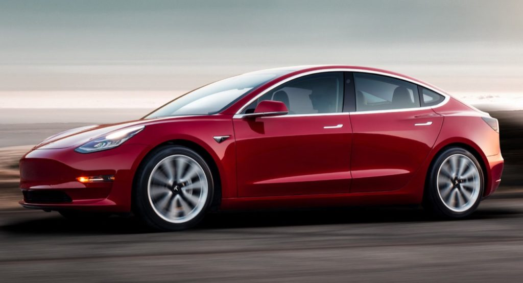 Tesla Model 3: chiesti altri 2500 dollari come conferma dell'ordine