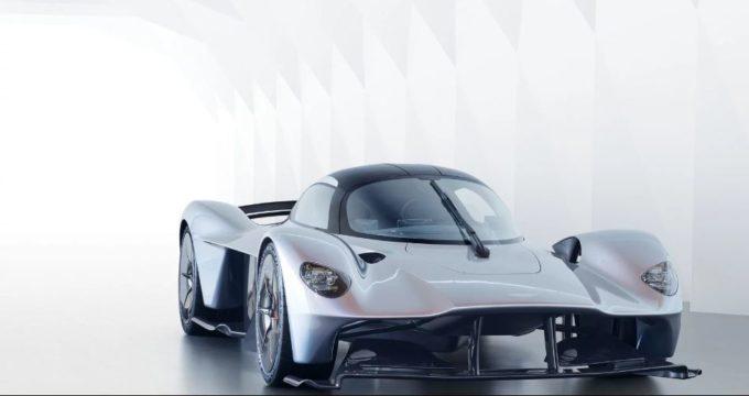 Aston Martin Valkyrie: Max Verstappen e Daniel Ricciardo tester d'eccezione della nuova hypercar