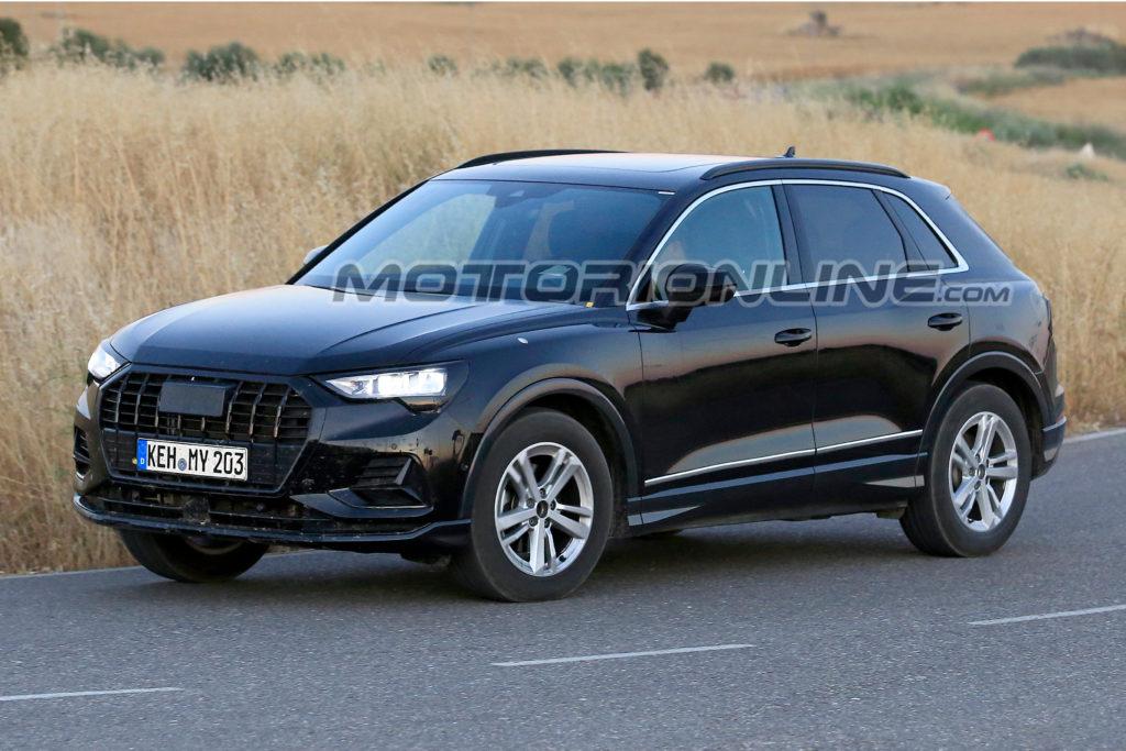 Audi Q3 Il Nuovo Modello Immortalato Senza Veli Foto Spia