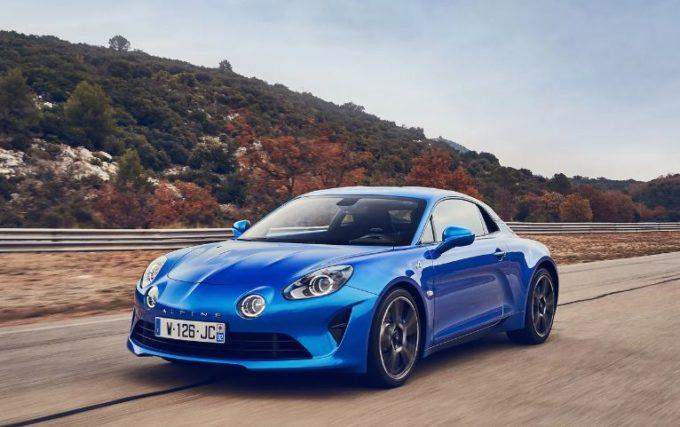 Alpine A110: boom di prenotazioni per la sportiva francese
