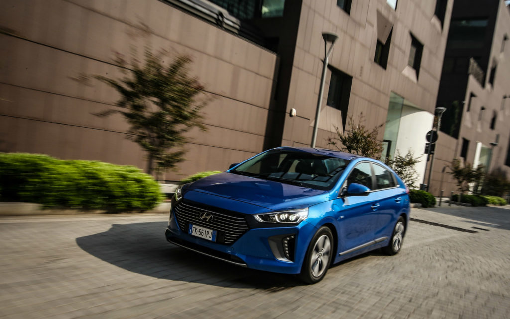 Hyundai Kona Electric e IONIQ Plug-in Hybrid protagoniste agli Auto Express New Car Awards 2018
