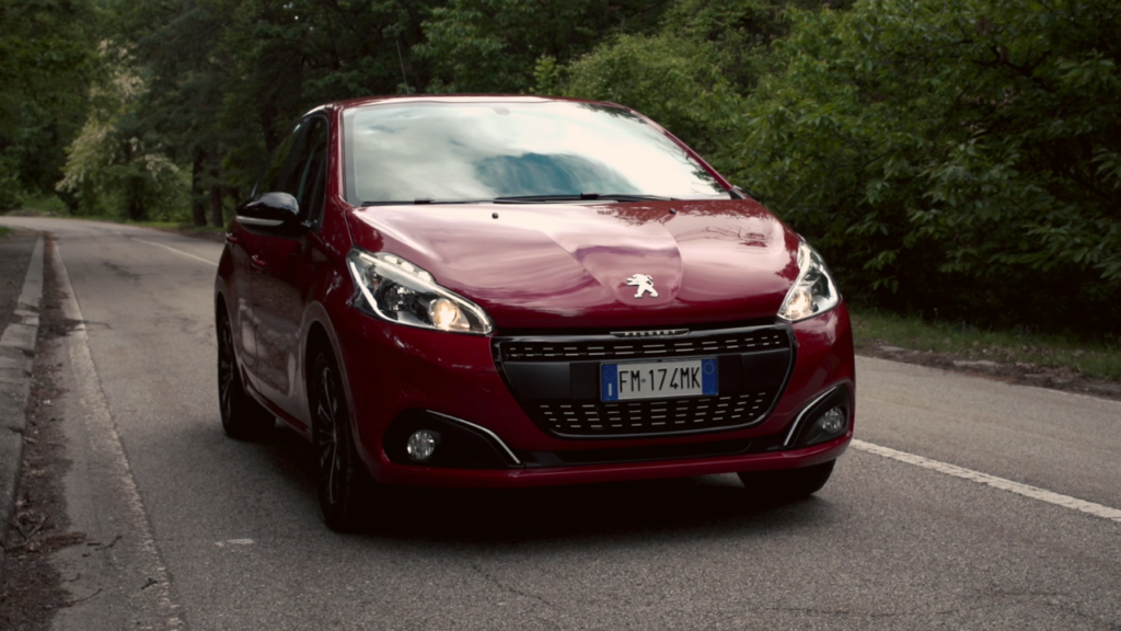 Peugeot 208 Black Line: accenti neri da Limited Edition [FOTO E VIDEO]