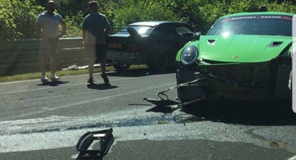 Nuova Porsche 911 GT3 RS: brutto incidente sul circuito del Nurburgring [FOTO]