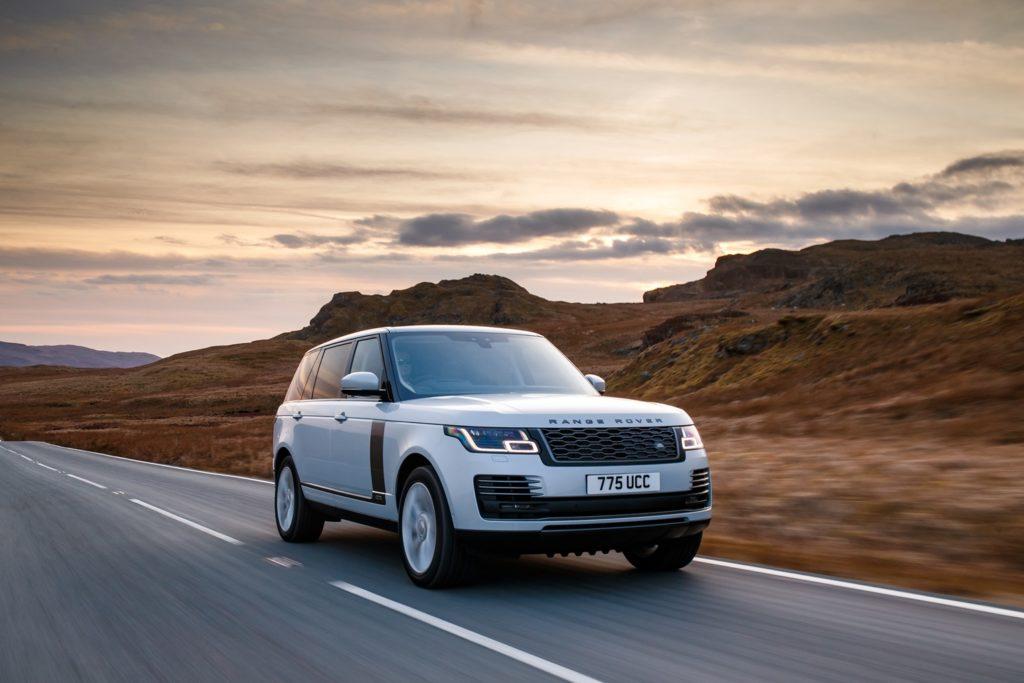 Land Rover Range Rover: al debutto il 3.0 SDV6 e l'Adaptive Cruise Control