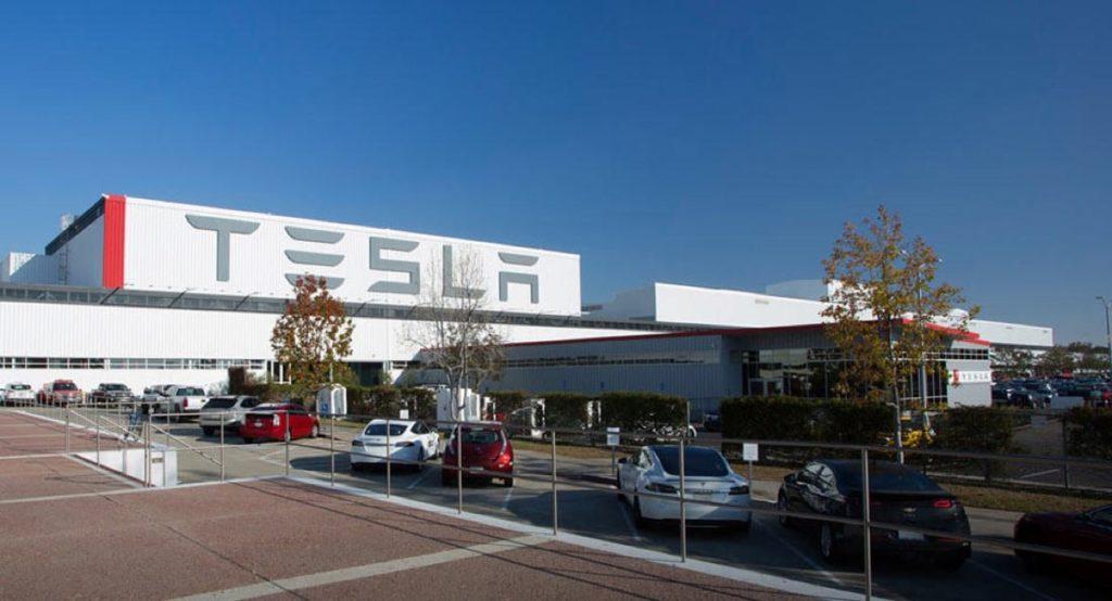 Tesla: la Gigafactory di Shanghai potrebbe produrre oltre 500 mila unità all'anno