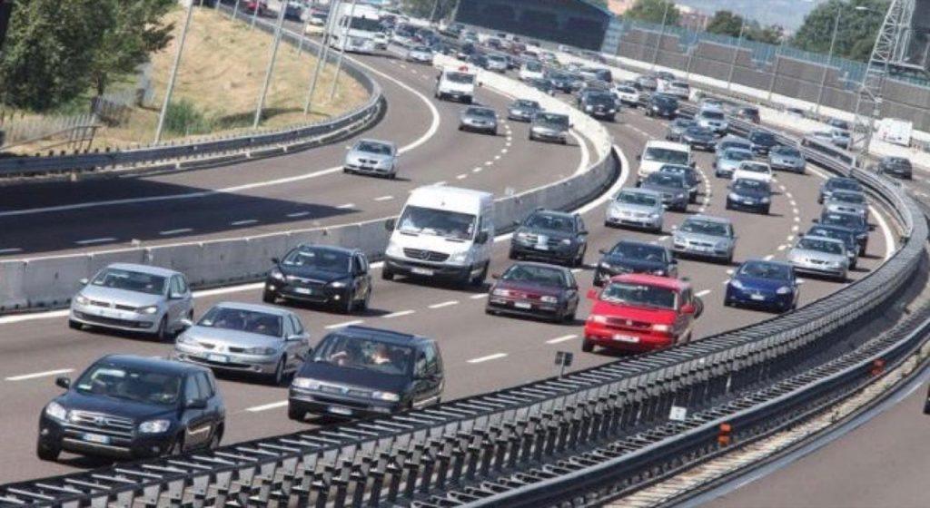 Traffico: possibile aumento dell'intensità nel fine settimana, si registra uno sciopero per Trenord