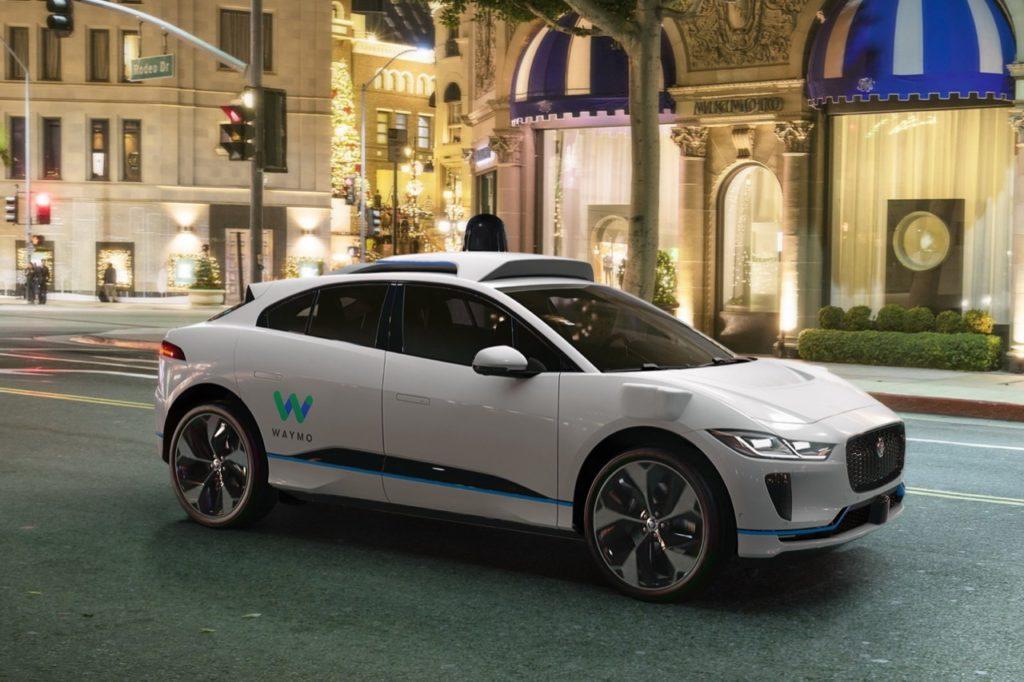 Auto a guida autonoma: per l'Italia, Torino è la zona designata per i test su strada