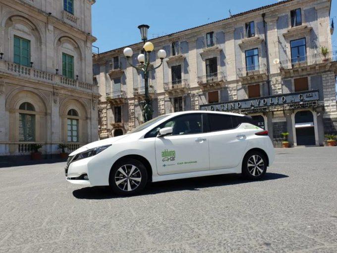 Nissan e Adduma Car danno il via al turismo elettrico