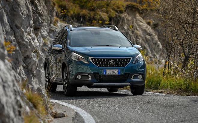 Peugeot 2008: una nuova versione con motore diesel e cambio automatico
