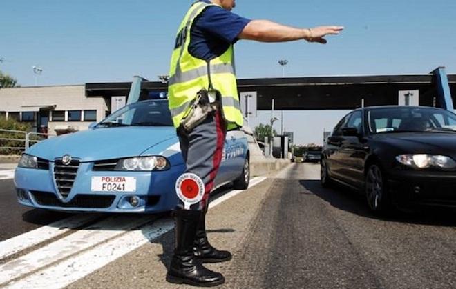 Polizia: un'app per segnalare situazioni di pericolo mentre l'agente è fuori servizio