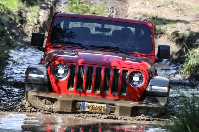 Nuova Jeep Wrangler: progettata per eccellere nei percorsi off road