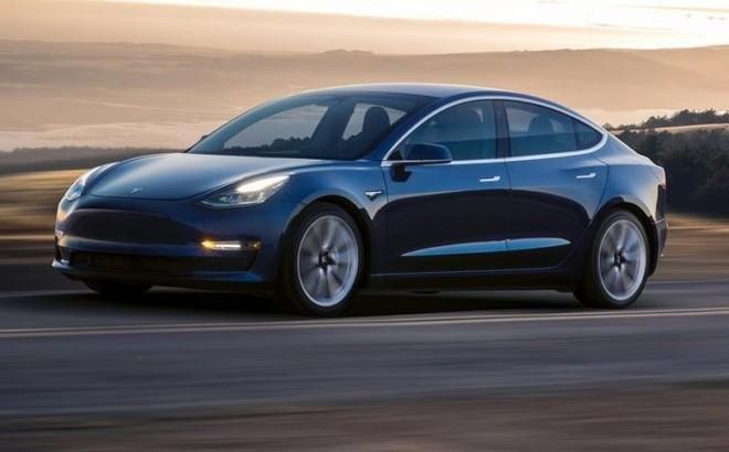Tesla Model 3: la versione Performance avrà il Track Mode