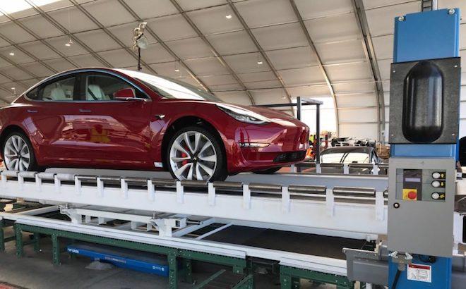 Tesla Model 3: raggiunto l'obiettivo di 5.000 esemplari a settimana