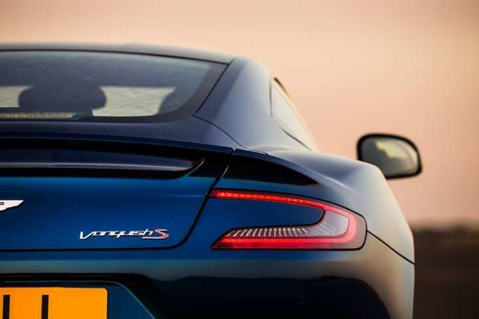 Aston Martin: il nome Vanquish sarà riservato alla prossima supercar a motore centrale