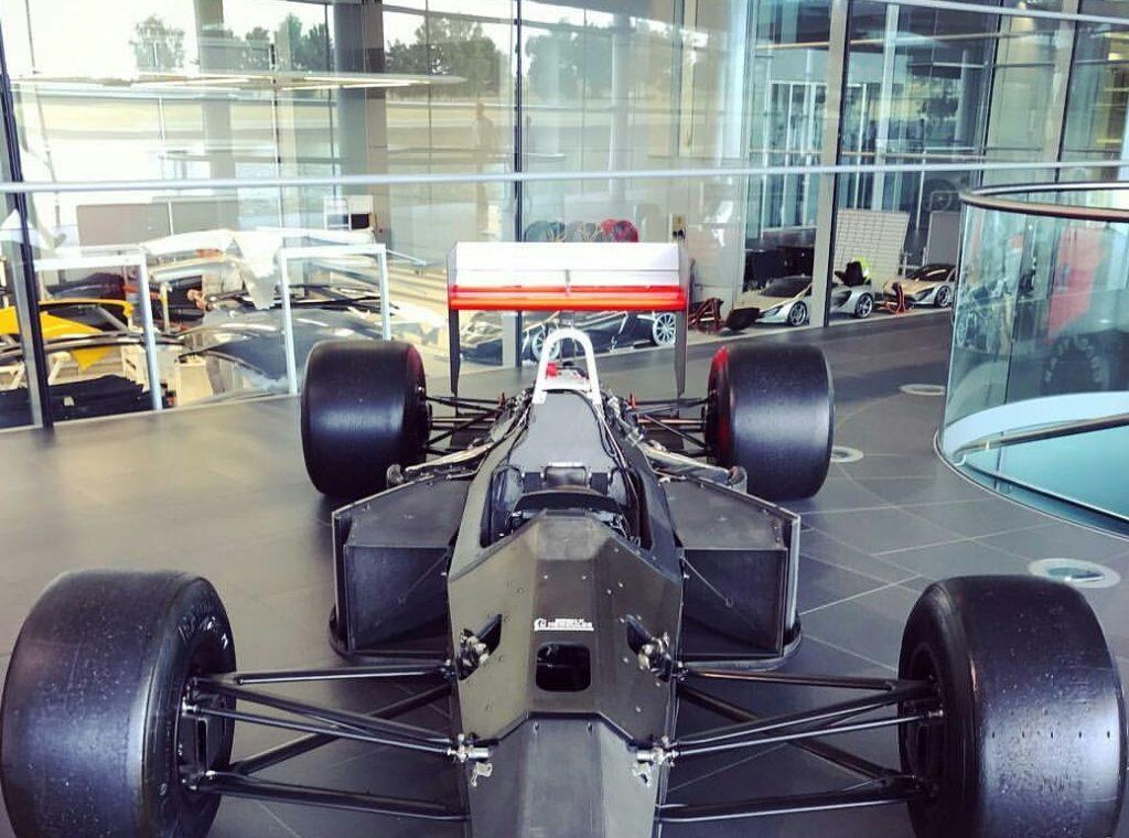 McLaren Speedtail: è lei che si intravede in una foto all'interno del Technology Centre?