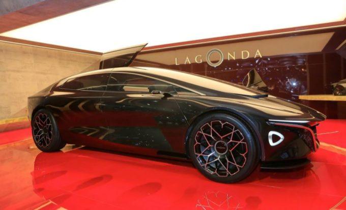 Aston Martin: il marchio Lagonda guiderà l'elettrificazione