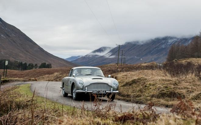 Aston Martin DB5: in arrivo 25 repliche della storica vettura di James Bond