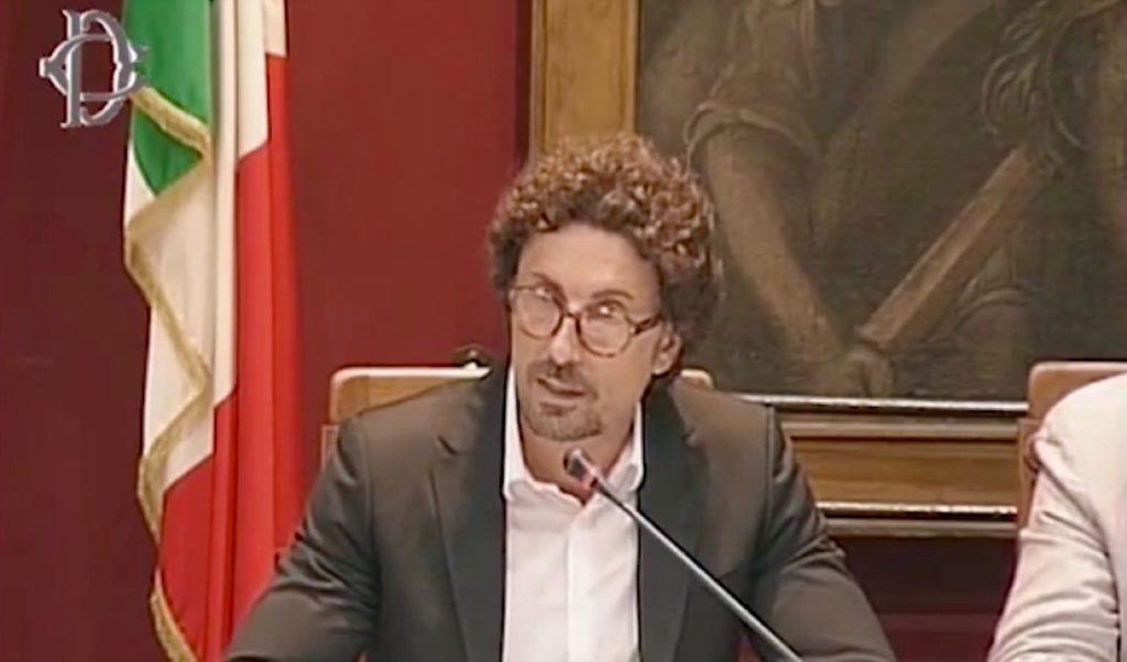 """Crollo del ponte a Genova, Toninelli sul ripristino: """"Autostrade i soldi li mette, ma lo ricostruiamo noi"""""""