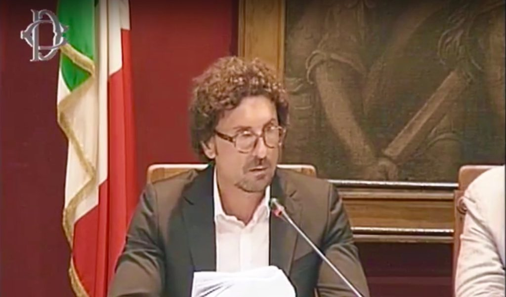 """Crollo del ponte a Genova: disagi nel giorno del rientro, Toninelli: """"Bisogna smettere di inseguire le emergenze"""""""