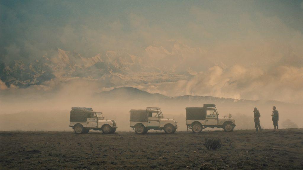 """Land Rover, 70 anni di avventure all-terrain con un viaggio nella """"terra delle Land Rover"""" [VIDEO]"""