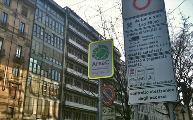 Area C Milano: niente stop estivo, spenta solo a Ferragosto