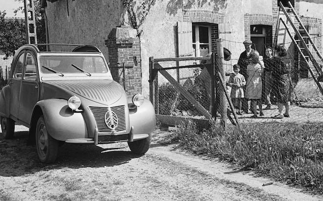 Citroen 2CV: la storia di una vettura diventata iconica