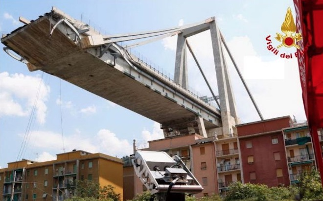 """Genova, crollo ponte Morandi: """"E' pericolante, serve intervenire subito"""""""