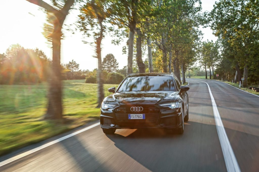Nuova Audi A6 Avant: una forma di dinamismo mutevole per tecnologia e meccanica [VIDEO TEST DRIVE]