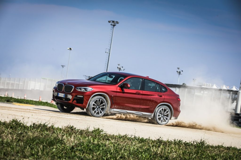 Nuova BMW X4: grinta e tecnologia sempre più in simbiosi [VIDEO TEST DRIVE]