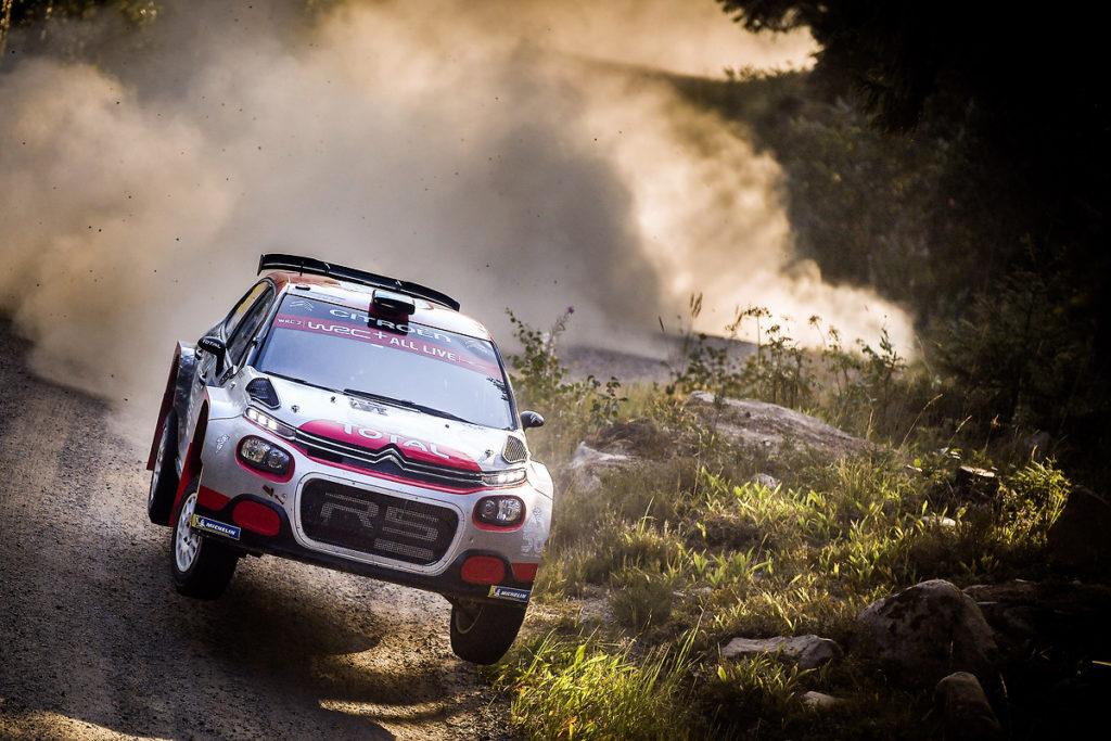 Citroen C3 R5 scalda i motori per il Rally di Gran Bretagna