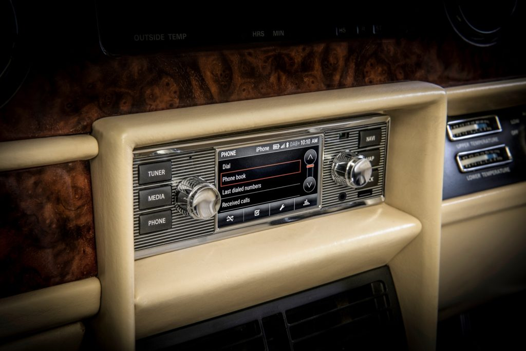 Jaguar: nascono i Classic Infotainment Systems per le vetture d'epoca