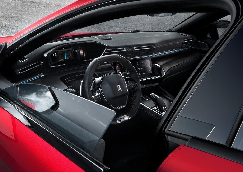 Nuova Peugeot 508, controllo totale con l'i-Cockpit