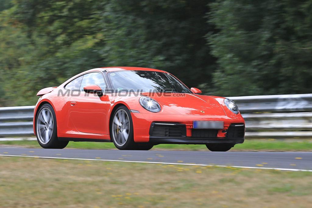 Porsche 911: ultimi test al Nurburgring prima della presentazione ufficiale [VIDEO SPIA]