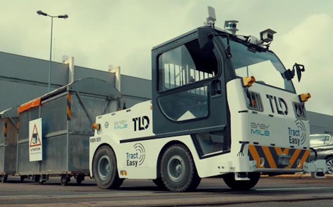 Guida autonoma: il Gruppo PSA sperimenta una motrice senza conducente [VIDEO]