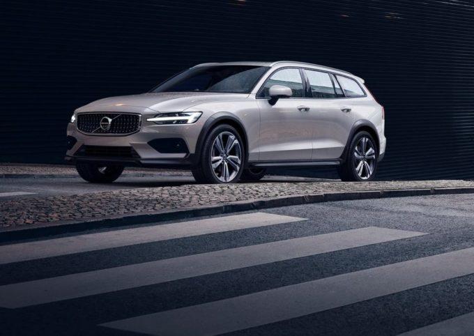 Volvo V60 Cross Country MY 2019