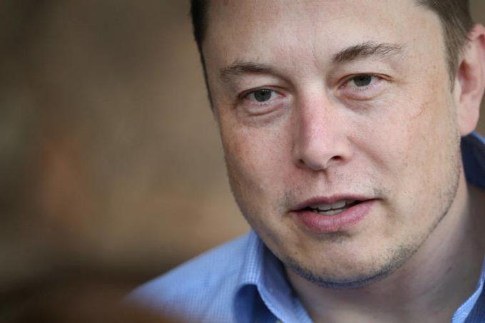 Tesla, Elon Musk lascia la presidenza e paga 40 milioni di dollari di multa alla SEC