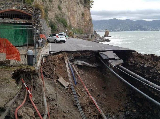 Maltempo sulla Liguria: Portofino isolata, la strada provinciale 227 non esiste più