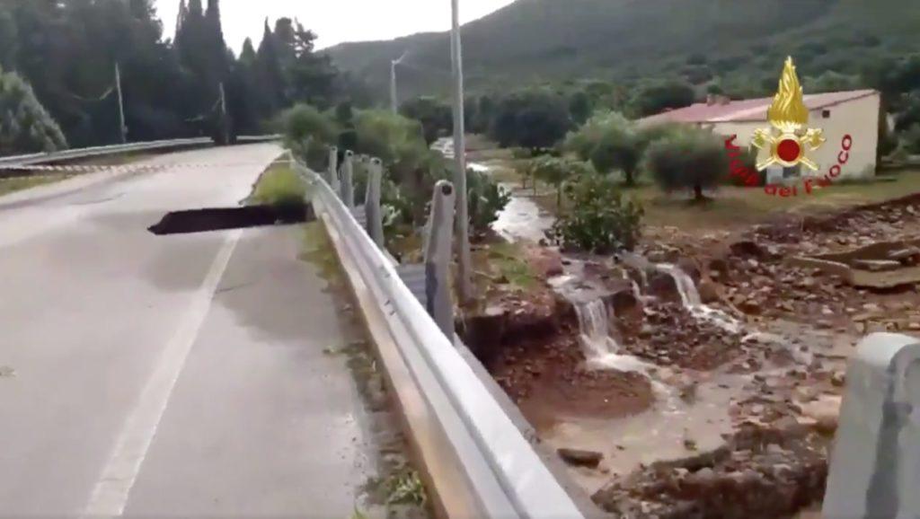 Maltempo: ponte crollato sulla statale 195 tra Cagliari e Capoterra